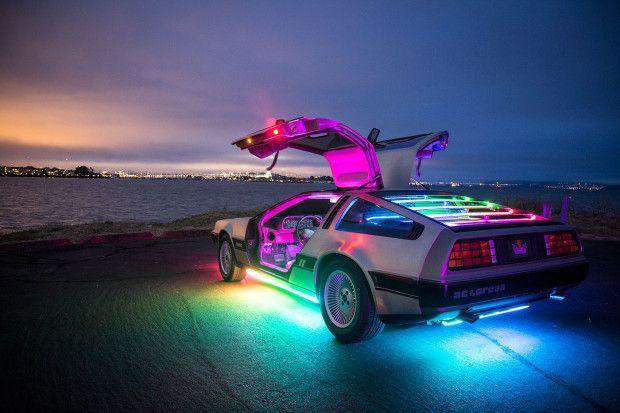 Szivargyújtós RGB lábtér hangulatvilágítás autóba