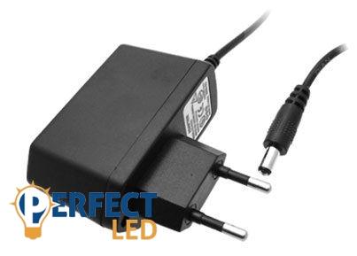 LED tápegység mûanyag házas, trafó mûanyag házzal 12V 12W (1A)
