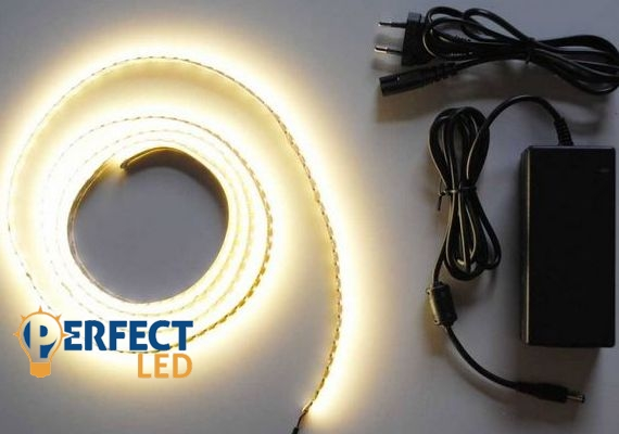 1m meleg fehér erős 3528 120led/m beltéri LED szalag szett