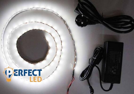 1m hideg fehér ETRA ERŐS 5050 60led/m beltéri LED szalag szett fényerőszabályzóval