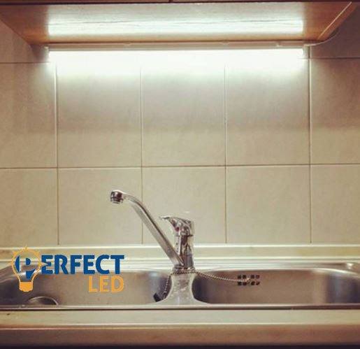60cm-es komplett LED pultvilágító lámpa természetes fehér