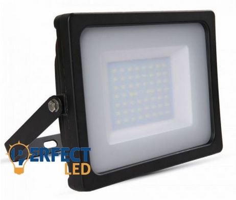 50W fekete prémium vékony házas LED reflektor természetes fehér